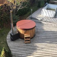 hot-tub-round-outside-17